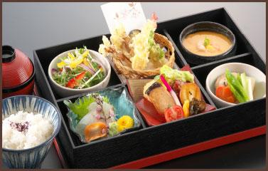 松花堂弁当 2,160円